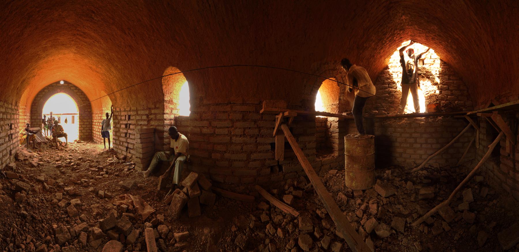 Inside_a_Nubial_Vault_-_Earth_Roofs_in_the_Sahel_Program.jpg