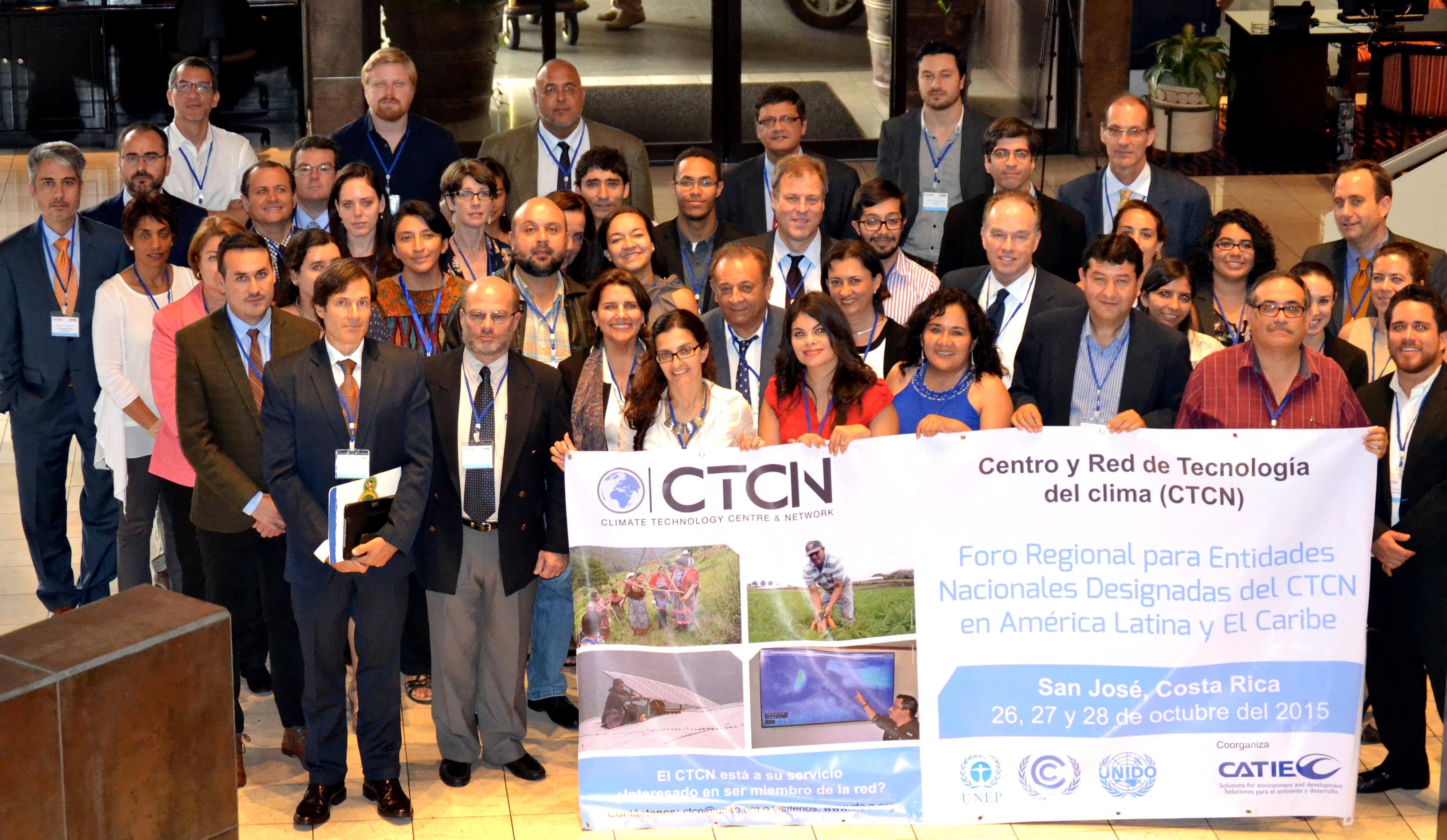 Foto de grupo foro regional ctcn.jpg